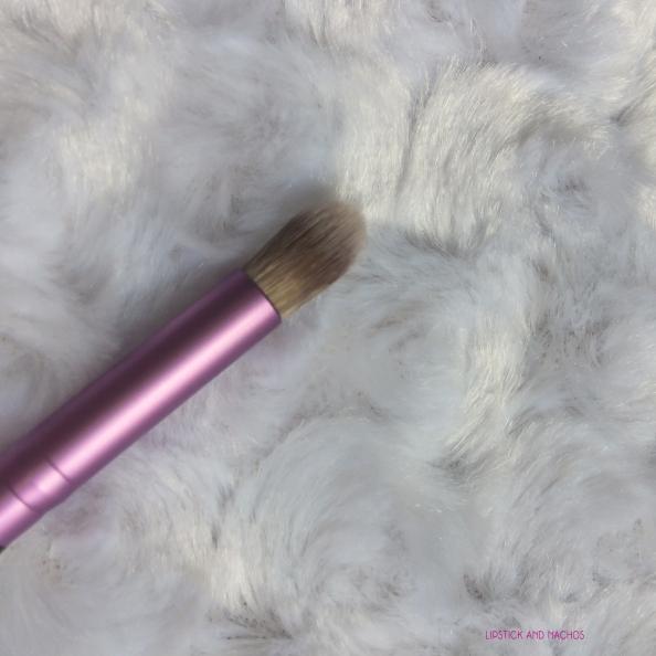 ipsy july 2017 iby makeup brush detail.jpg